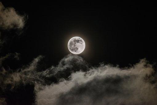 Contoh Cerita Fantasi Dengan Latar Lintas Waktu